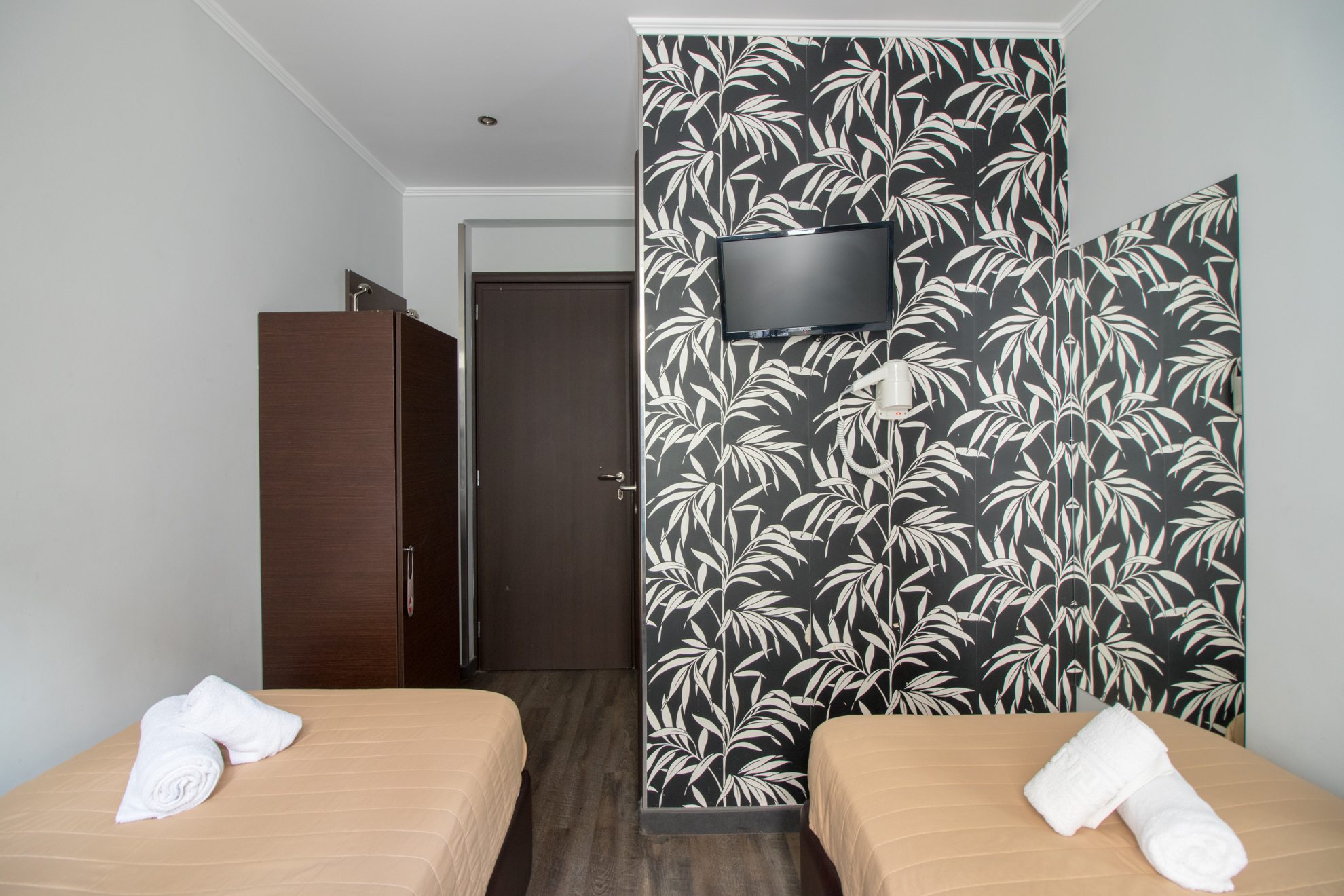 twin-room-cosmopolit-hotel-2