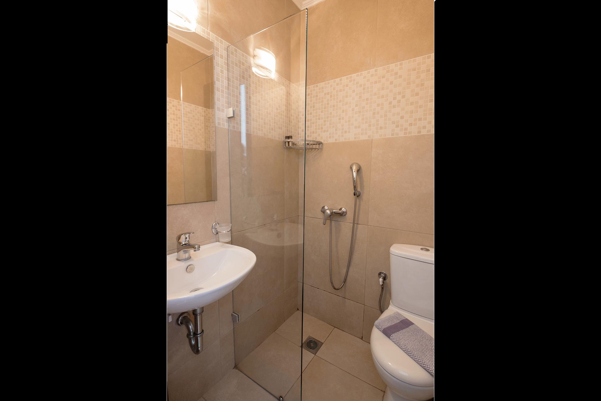 single-room-cosmopolit-hotel-bathroom